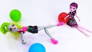 Лагуна Файер учится растяжке. Школа Гимнастики Барби