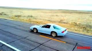 Перетягивания каната Tesla Model X и Chevrolet Camaro