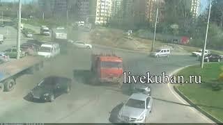 водитель самосвала скрылся, устроив ДТП в Юбилейном микрорайоне