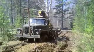 Урал 4320  грязь нипочем , зверь машина!!!
